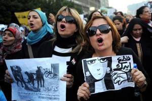 تظاهرات زنان مصر: دست سرکوبگران از زنان کوتاه