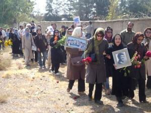 خانواده های جانباختگان اعدام های دهه شصت و تابستان 67 در خاوران