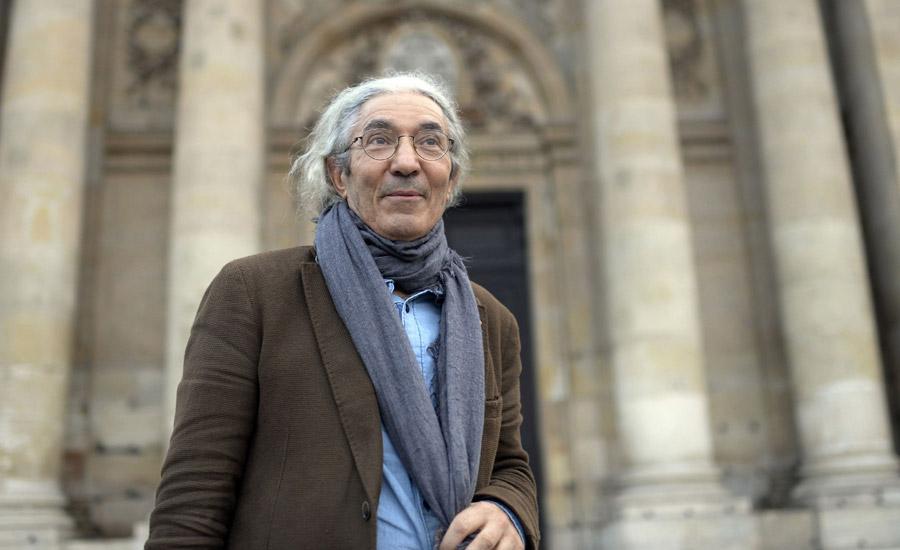 صنصال در مقابل آکادمی فرانسه برای دریافت جایزه بزرگ رمان