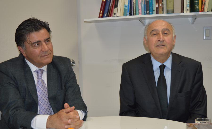 حسین لاجوردی (راست) ـ افشین افشین جم
