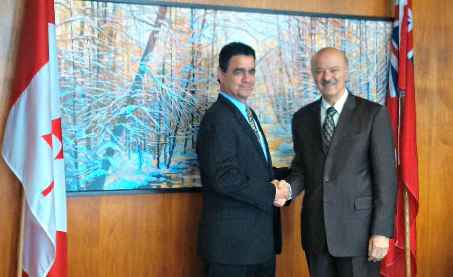 دکتر رضا مریدی (راست) و هوان آلسس