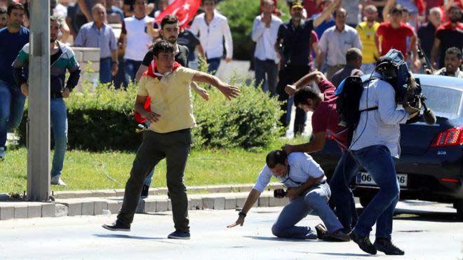 سرکوب خبرنگاران در خیابان های ترکیه